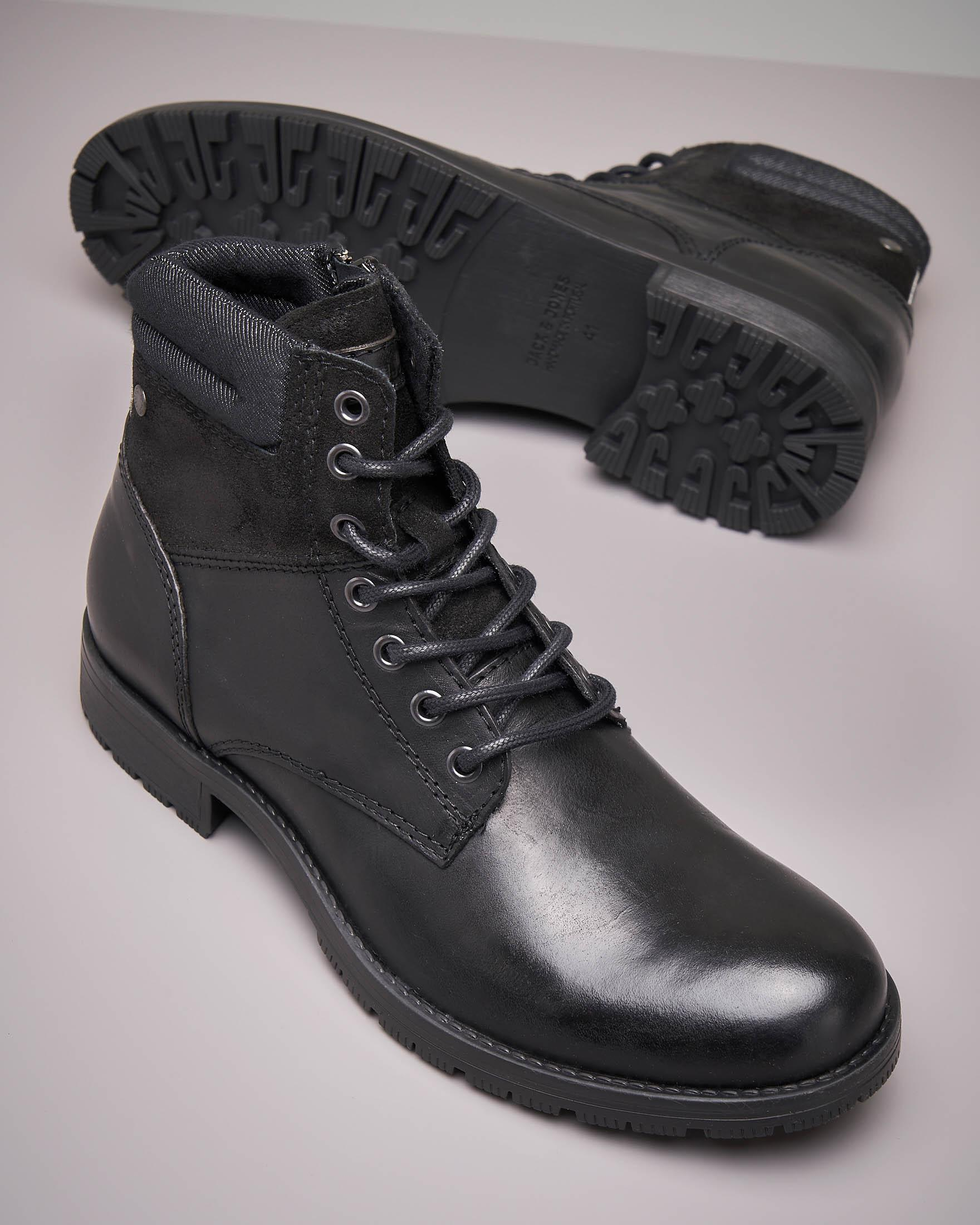 Boots neri in pelle