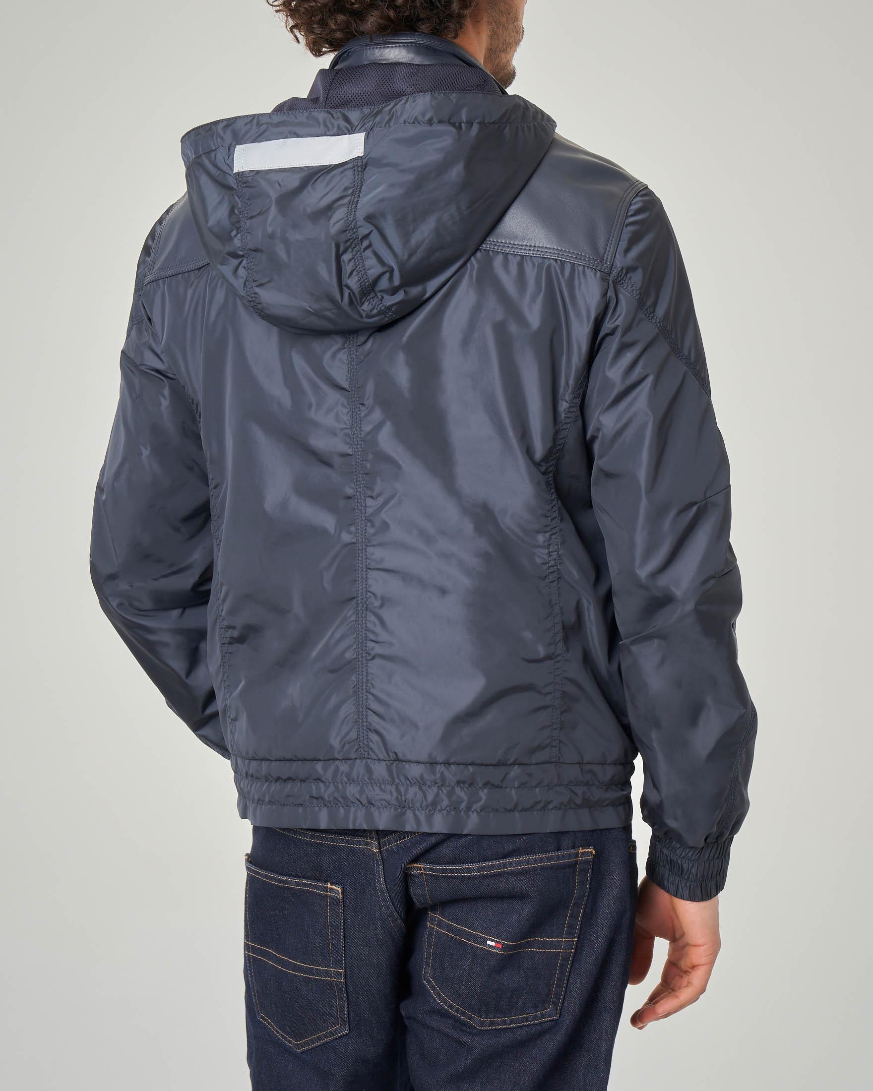 Giacca blu bi-tessuto pelle e nylon con cappuccio  7eb7e3ae172d