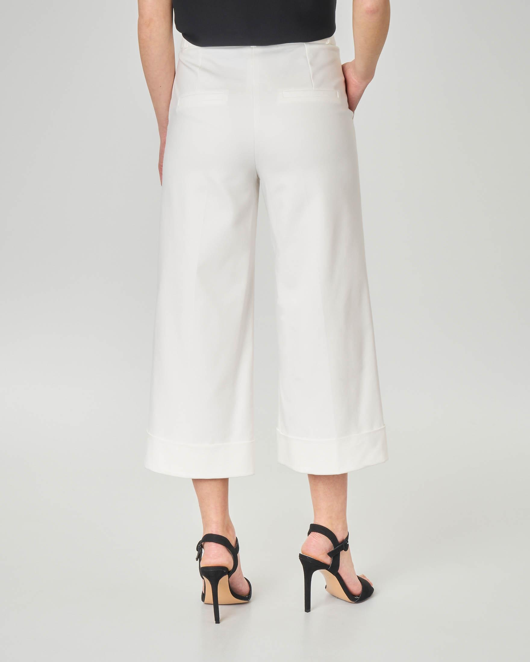 Pantaloni culotte bianchi in misto cotone con piega a vista