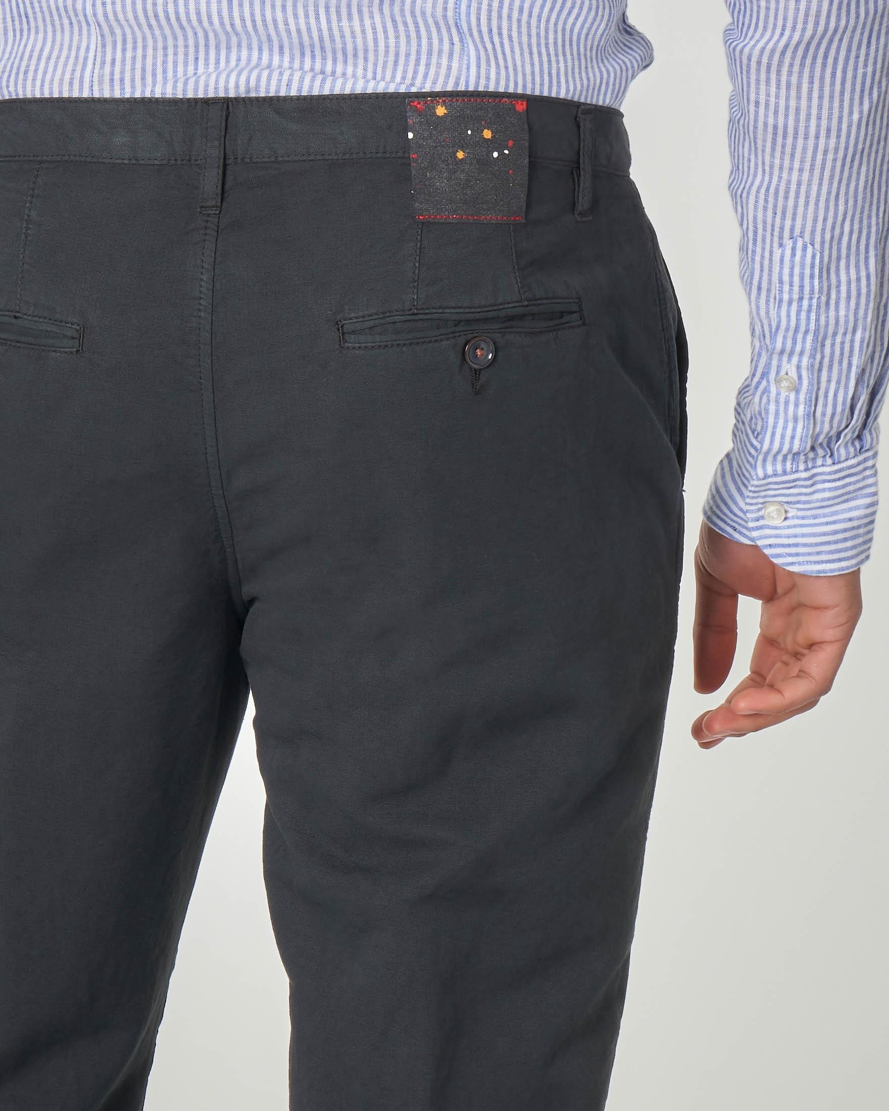 Pantalone chino nero in cotone e lino
