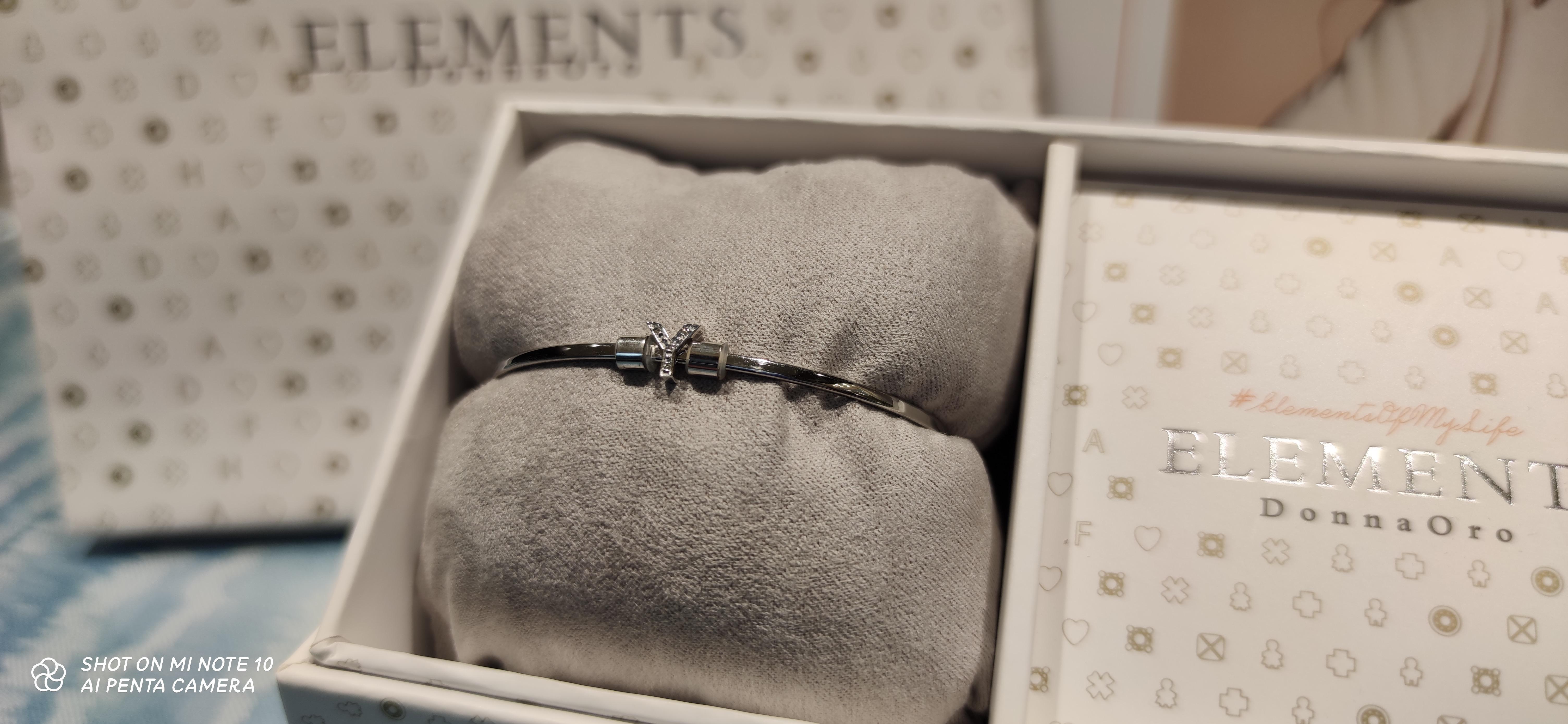 Bracciale Elements Donnaoro con Iniziale Y in Oro bianco e diamanti